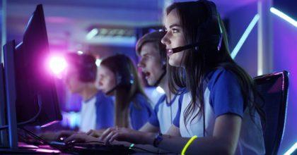 Většinu Čechů počítačové hry baví, esport ale moc neznají