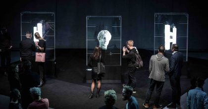 Byla uvedena síť holografických reklamních nosičů