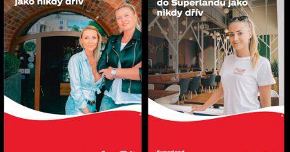 """OBRAZEM: """"Spolu jako nikdy dřív."""" Coca-Cola věnovala stovkám podniků reklamu"""