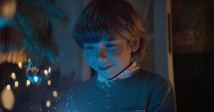 """VIDEO: """"Letos jsou dárky nanás."""" O2 zahajuje vánoční kampaň"""