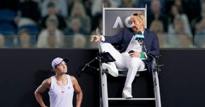 VIDEO: Cohen pro Uber Eats kazí zápasy Australian Open, aby měl jídlo zdarma