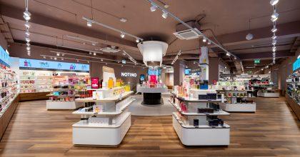 Notino otevřelo svou největší prodejnu vČesku. Nabídne virtuální zrcadlo ilíčení