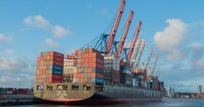 Velké značky chtějí zezelenat, ale jak vyřeší námořní dopravu zboží?