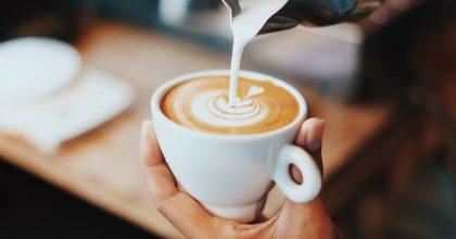 Ipsos: Většina Čechů pije kávu denně. Mají ji spojenou spohodou arelaxací