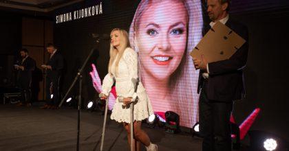 Zlatý středník zná vítěze, osobností PRje Simona Kijonková